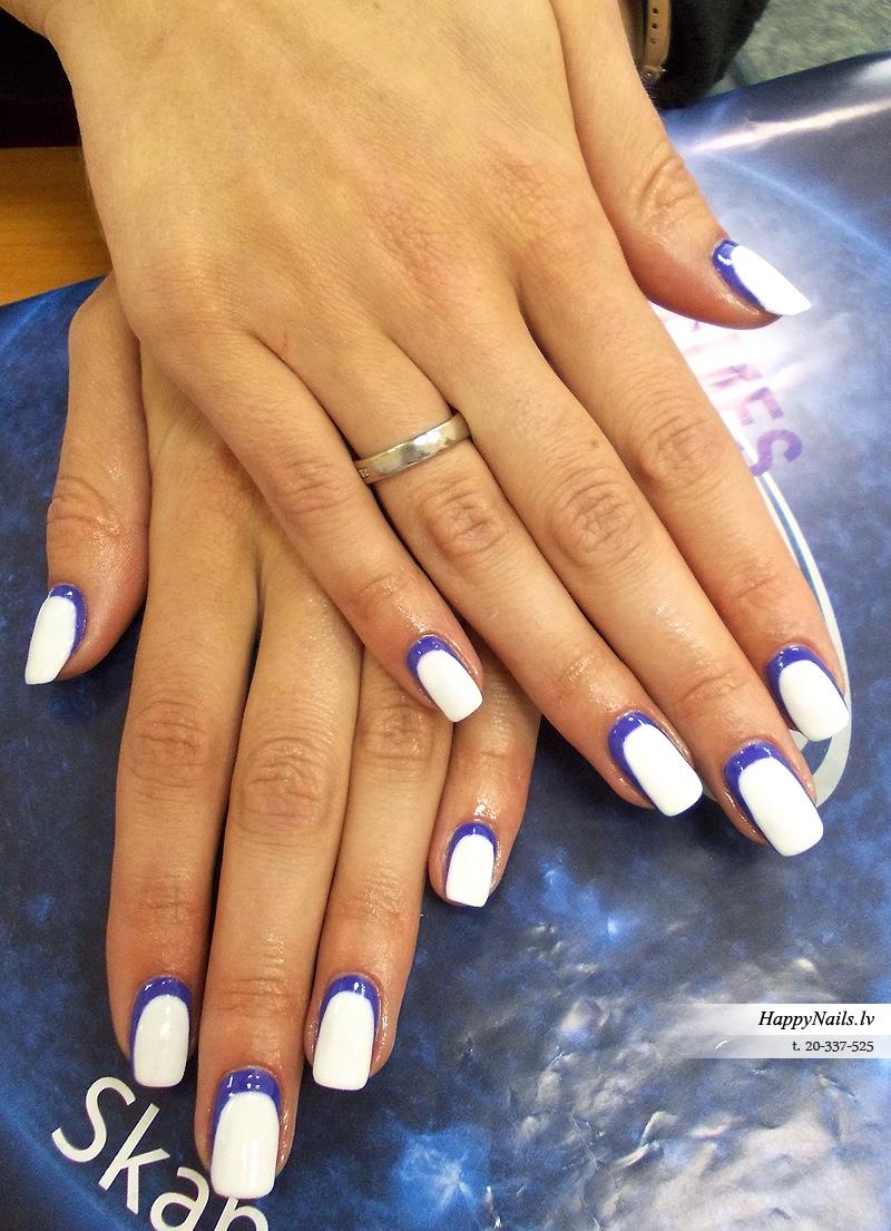 белый с синим маникюр