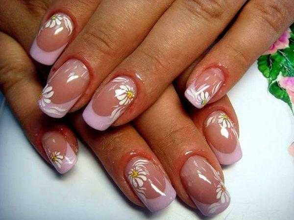 ромашки на длинных ногтях