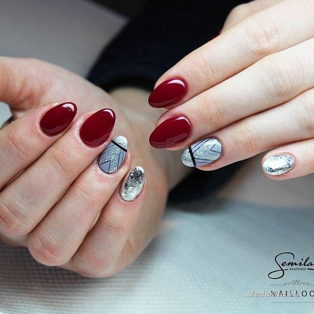 Маникюр с нотками красного и серебра
