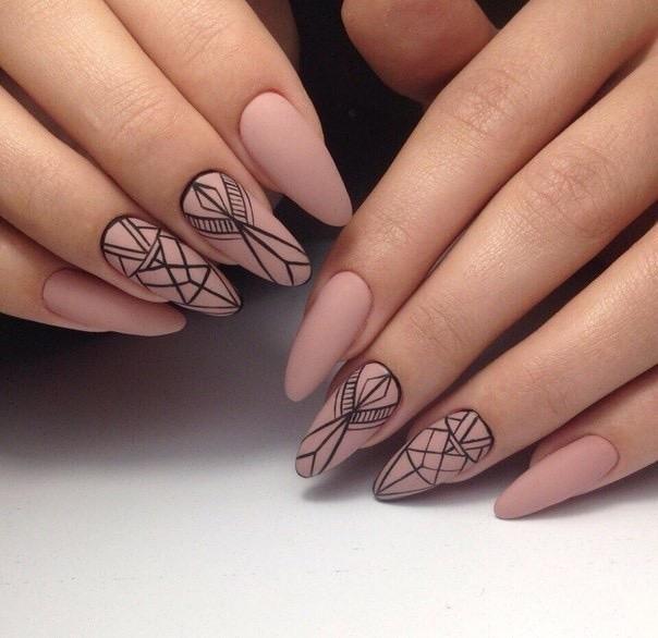 Удлиненные миндалевидные ногти